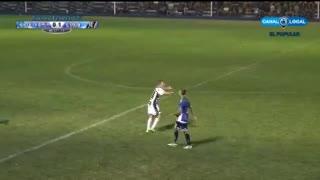 Maxi Mayoz, DT de El Fortín de Olavarría, le metió un cabezazo al árbitro