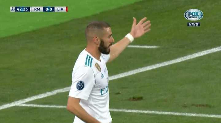 Benzema convirtió, fue anulado por offside