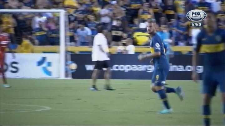 Benedetto volvió a jugar y lo ovacionaron