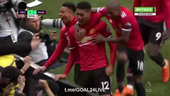 Smalling lo dio vuelta para el United
