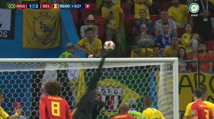 Tremenda atajada de Courtois a Neymar