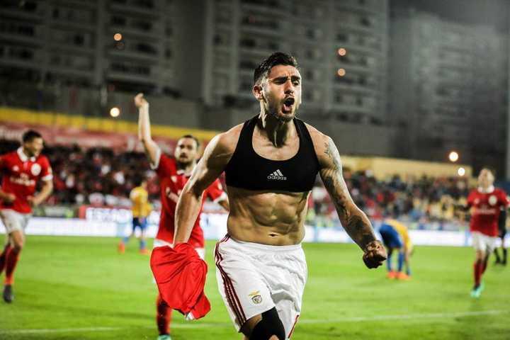 El Toto Salvio le dio sobre la hora el triunfo a Benfica