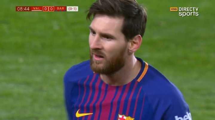 Messi casi moja de tiro libre