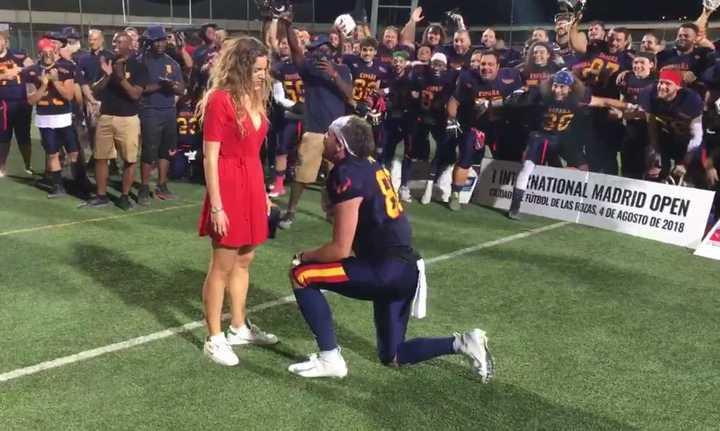 Ganó y le propuso casamiento a su novia