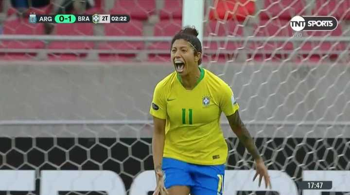 Brasil abrió el marcador