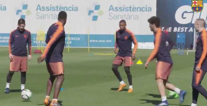 El relajado entrenamiento del Barcelona