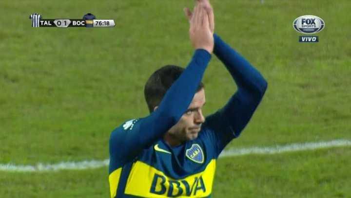 Beso, abrazo y ovación para Gago