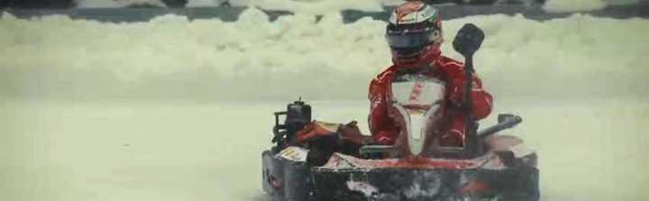 Raikkonen a fondo sobre la nieve