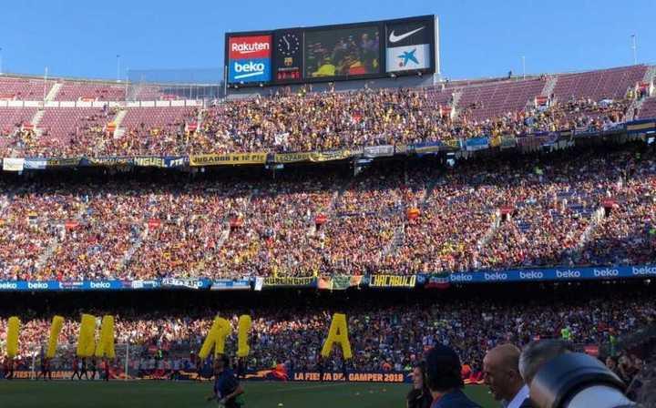 Boca llevó miles de hinchas al Camp Nou