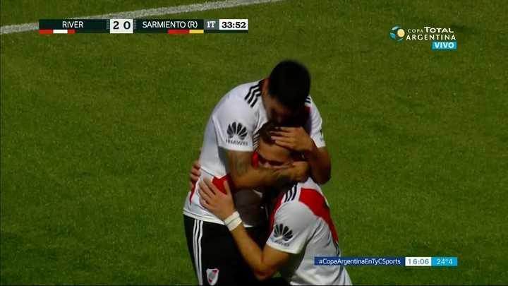 Santos Borré metió el segundo