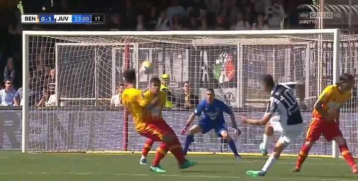 Mirá los tres goles de Dybala frente al Benevento