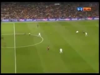 Ronaldinho y los aplausos de los hinchas del Madrid