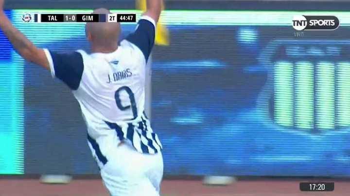 Arias, en offside, derrotó a Martín Arias
