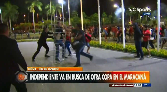 Incidentes entre hinchas de Independiente y Flamengo