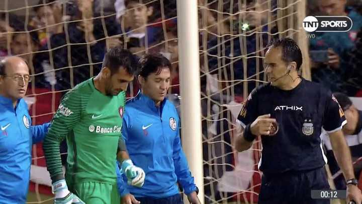 ¡Insólito, Torrico se lesionó en la tanda de penales!