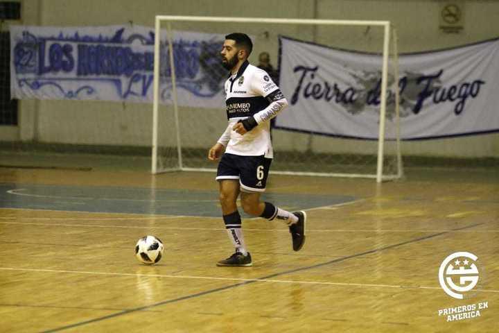 Gimnasia goleó 5-0 a Juventud de Tapiales