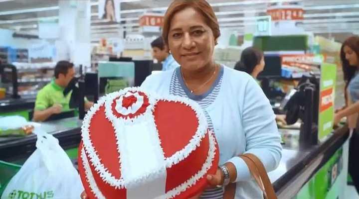 La madre de Paolo Guerrero y compañía a pura publicidad
