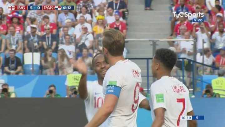 Sexto gol de Inglaterra (25 pases)