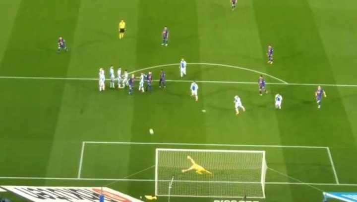 El golazo de tiro libre de Messi desde la tribuna