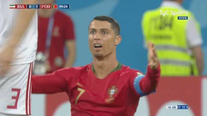 El VAR marcó penal para Portugal