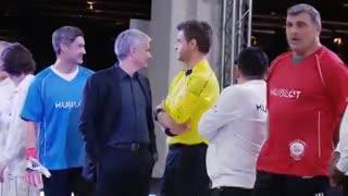 Kluivert no saludó a Maradona