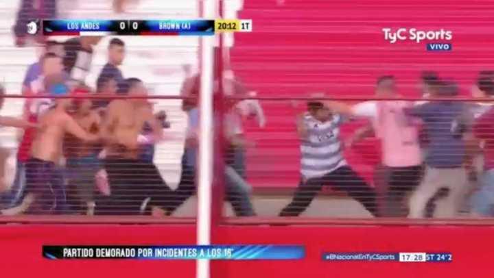Hinchas de Los Andes se agarraron a las trompadas en la tribuna
