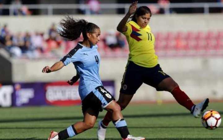 Colombia aplasta a Uruguay y empatan Chile-Paraguay en fútbol