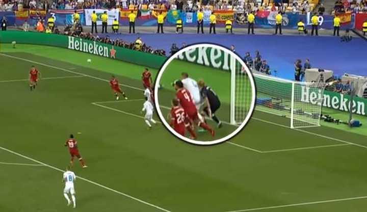 El choque de Sergio Ramos a Karius