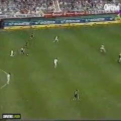 El primer gol de Gago