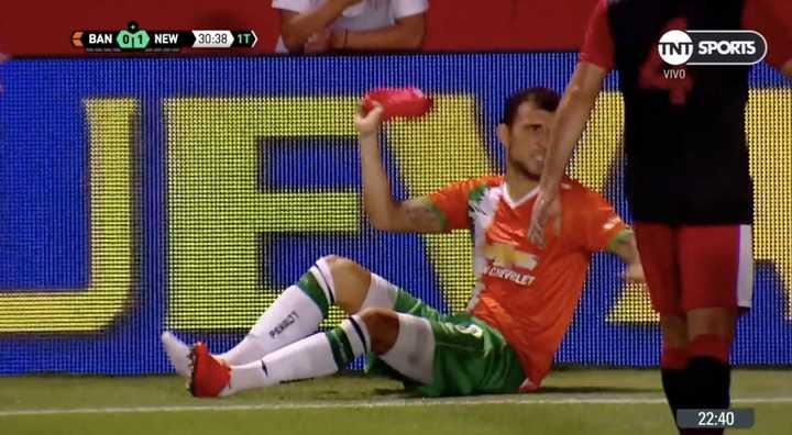 Bertolo le tiró su botín a Sarmiento