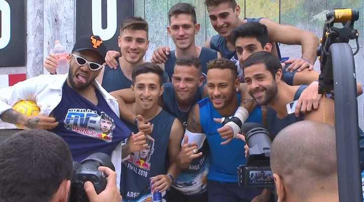 Neymar le desea