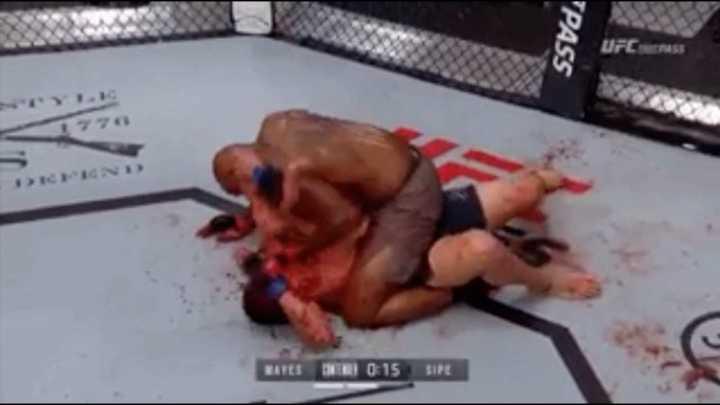 Nocaut sangriento en UFC