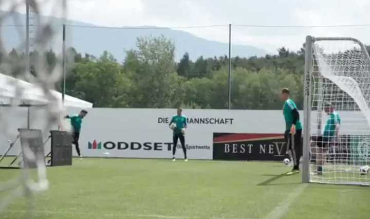 Löw y Ter Stegen, pendientes de Manuel Neuer
