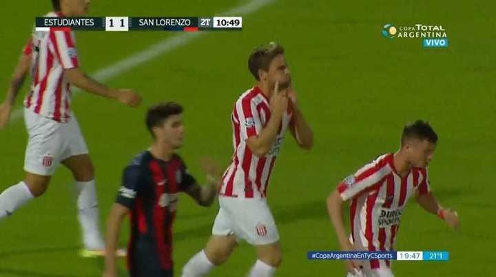 Estudiantes lo empató con gol de Sánchez