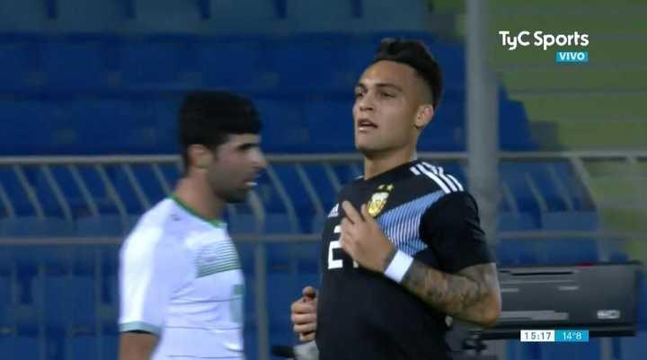 Gol de Lautaro Martínez para el 1 a 0 de Argentina