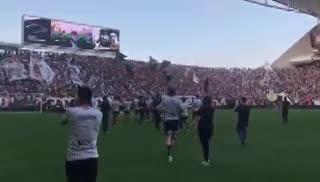 El tremendo banderazo de Corinthians