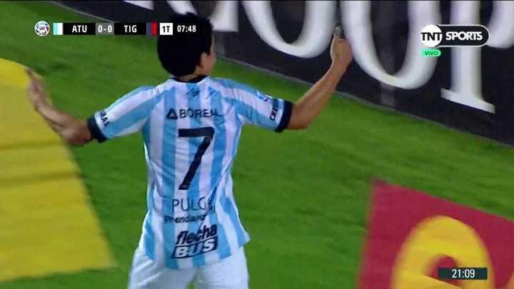 El Pulga Rodríguez metió el primero para Tucumán