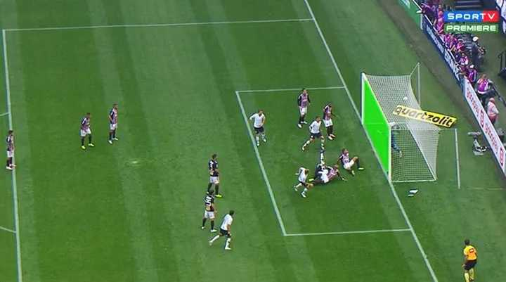Increíble el gol que le robaron a Corinthians