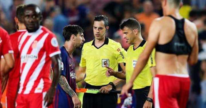 Messi y su calentura con el árbitro Gil Manzano