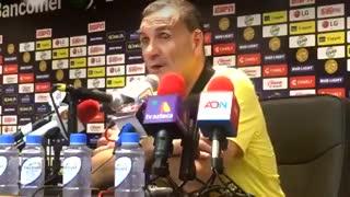 Islas explicó la ausencia de Diego en la conferencia