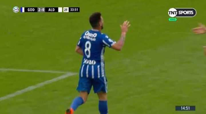 González marcó el 2 a 0 de Godoy Cruz