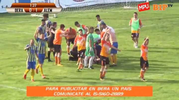 Así se desplomó Ignacio Branda, jugador de Berazategui
