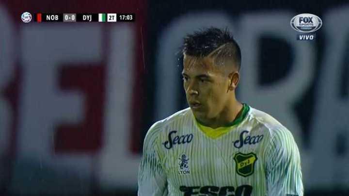 Nico Fernández llegó con peligro para Defensa