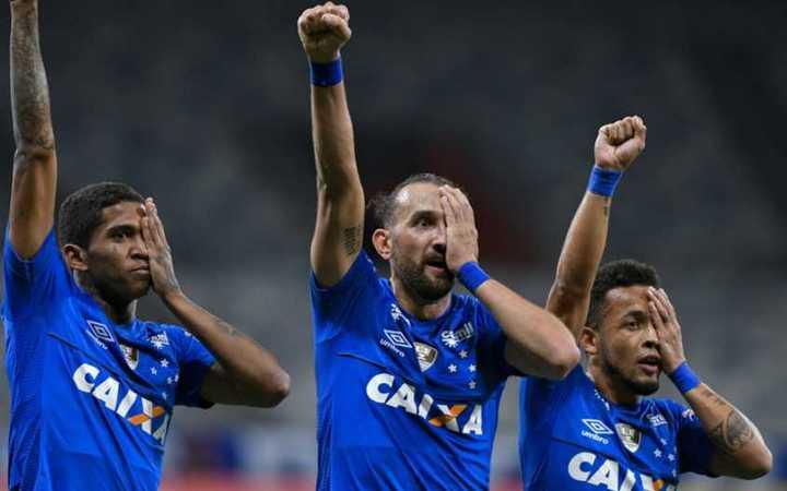 Barcos convirtió su primer gol en Cruzeiro