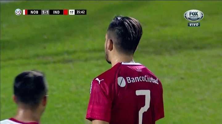 Ibáñez evitó el gol de Benítez