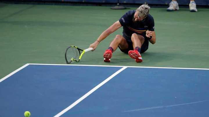 Benoit Paire rompe tres raquetas y es abucheado por el público
