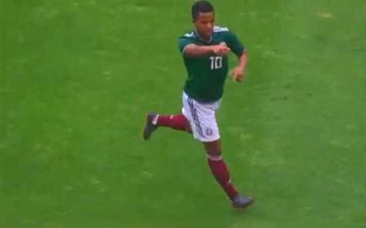 Dos Santos puso arriba a México