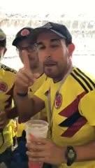 El ingenio de los colombianos para pasar alcohol a la cancha