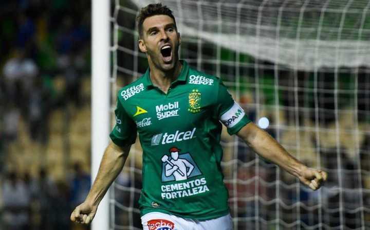 Doblete y récord para Boselli en León