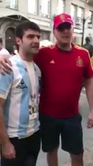 Un argentino y un español relataron el gol de Maradona a los ingleses